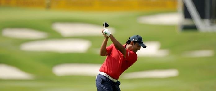 Shiv Kapur Leads Dubai Open