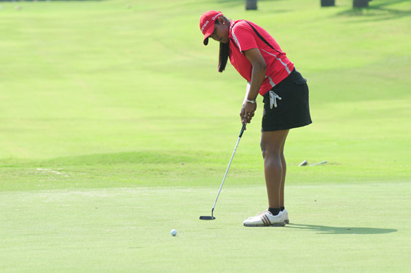 Saaniya Sharma shot an even 71 to take the first round lead in Pune