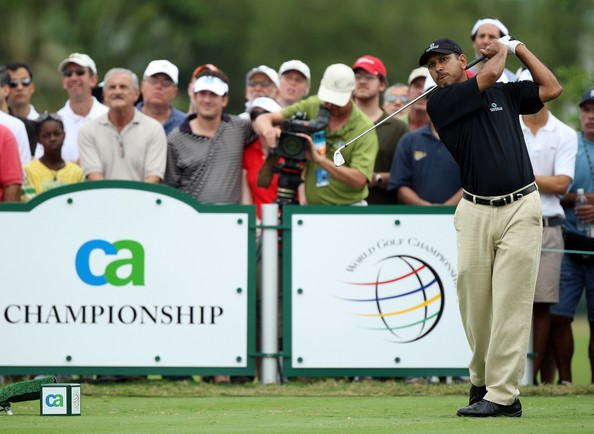 Jeev Milkha Singh shot 70 in the third round of the BMW PGA Championship to sneak inside the top 40