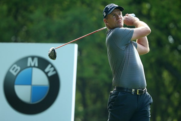 Robert Karlsson leads the BMW PGA Championship by one after making 67 in the first round